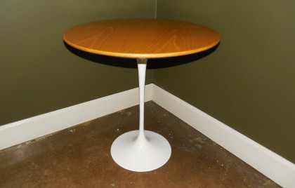 Knoll Saarinen Side Table Maple 20""