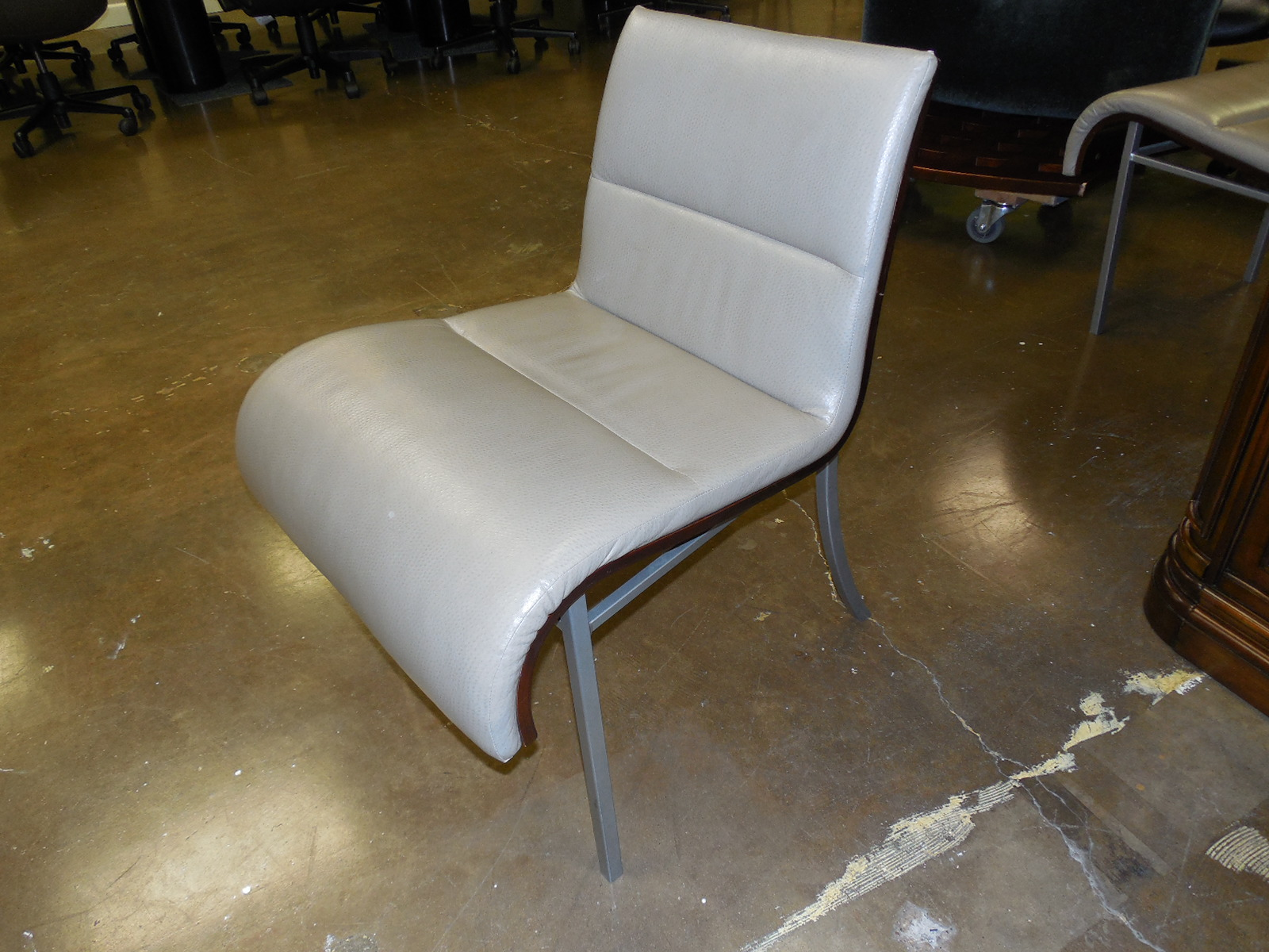 HBR Armless Lounge, NDOF, Left Side View